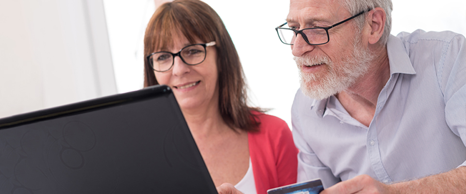 Online shopping has changed the lifestyle pattern of Canadian seniors.